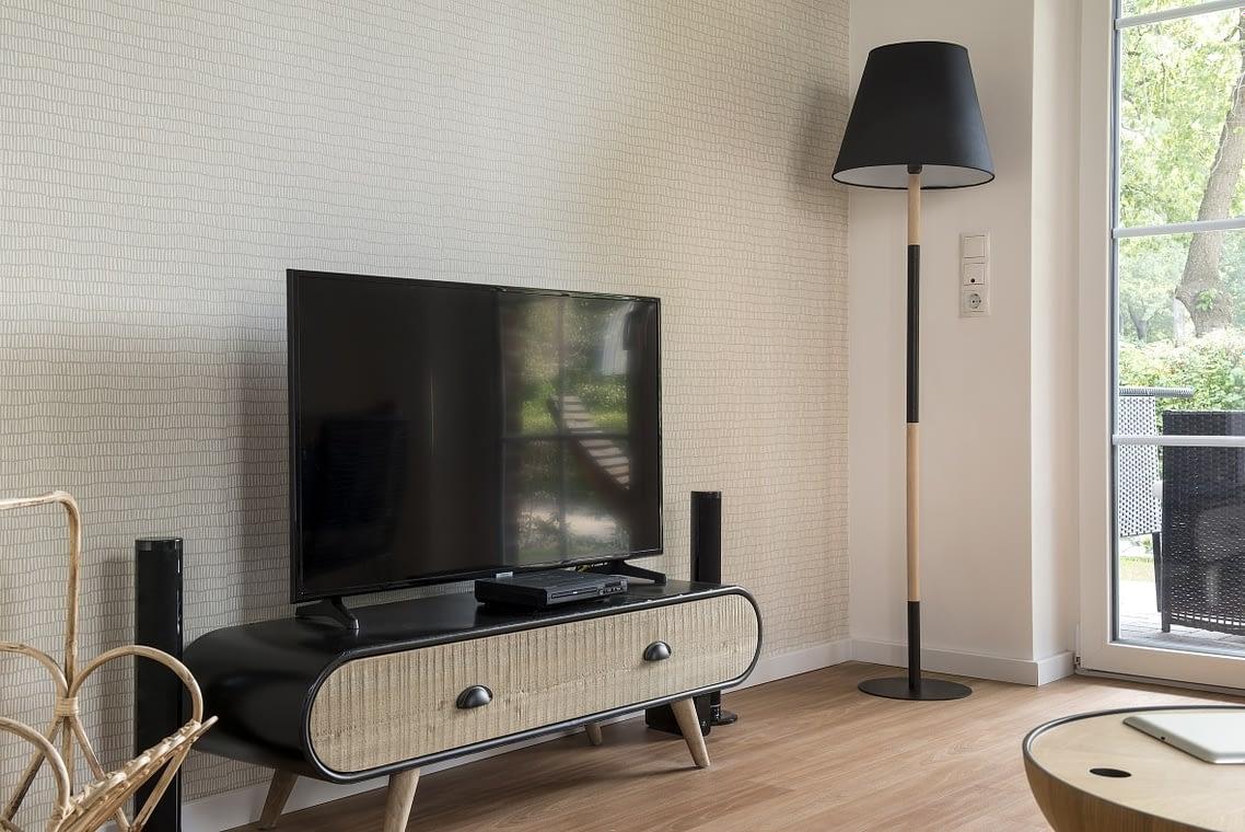 Multimedia TV mit Hifi-Anlage Ferienwohnung am See in Bad Zwischenahn